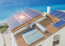 Casa de praia com energia solar fotovoltaica
